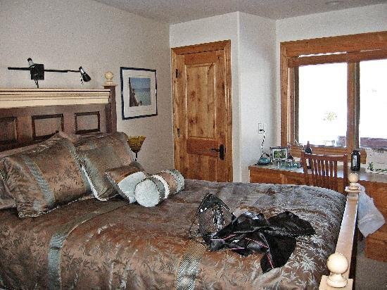 Fox Creek Inn: Our bedroom, the Mer de glace