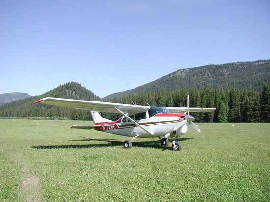 Williams, AZ: We feature high wing Cessna Aircraft for optimum viewing  and safety!