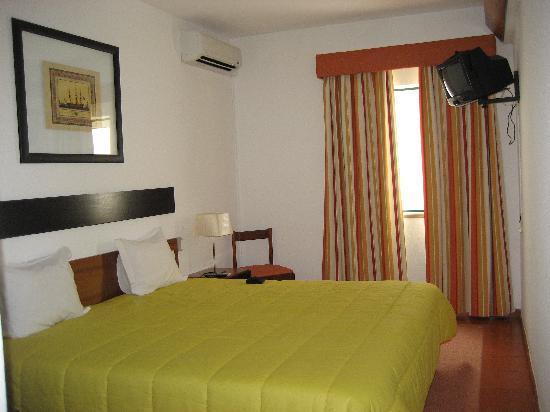 Lagosmar Hotel: Bed
