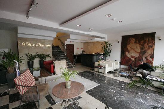 main lobby in Hotel Willa Litarion