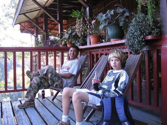 Moonracer Farm Lodging & Tours: Selwyn and Steven enjoying a coke.