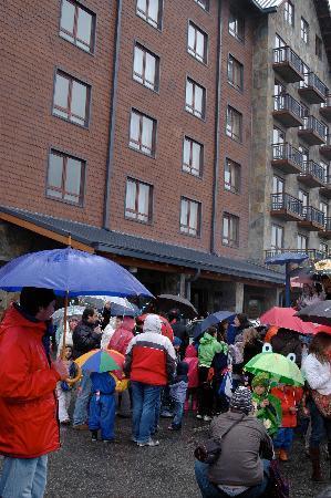 Radisson Hotel Puerto Varas: Fista de la lluvia