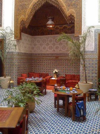 Dar Roumana : breakfast room