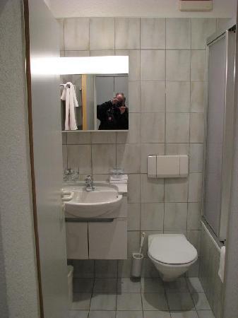 Seestrasse Apartments Drei Konige: Bathroom