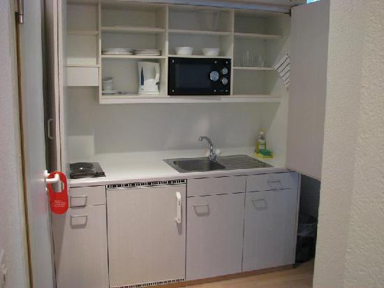 Apartments Drei Könige: Kitchenette (opened)