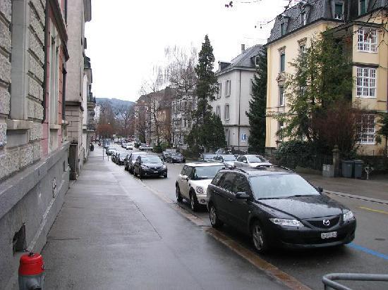 Seestrasse Apartments Drei Konige: Corner Street
