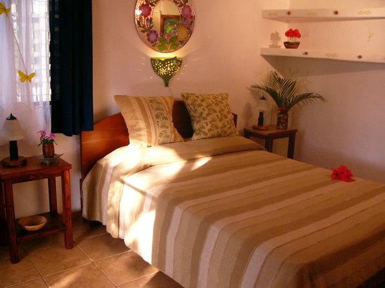 Casa Buenavista Bed & Breakfast: Room Claudia - down