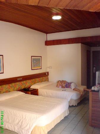 Monte Pascoal Praia Hotel : Interior de um dos quartos