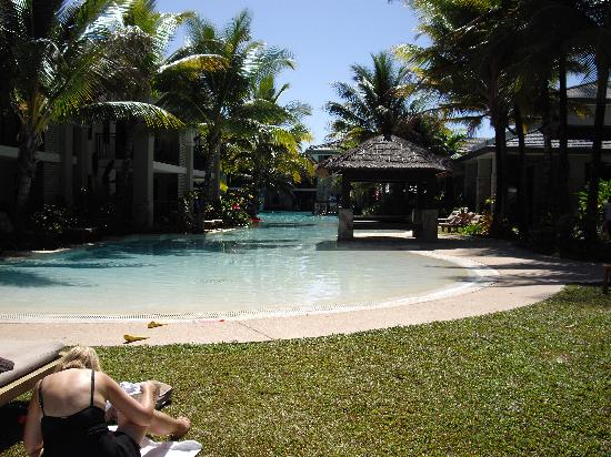 Pullman Port Douglas Sea Temple Resort & Spa: Main Pool