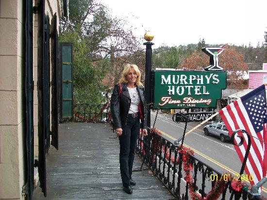 The Murphys Historic Hotel: Get a room with the balcony!