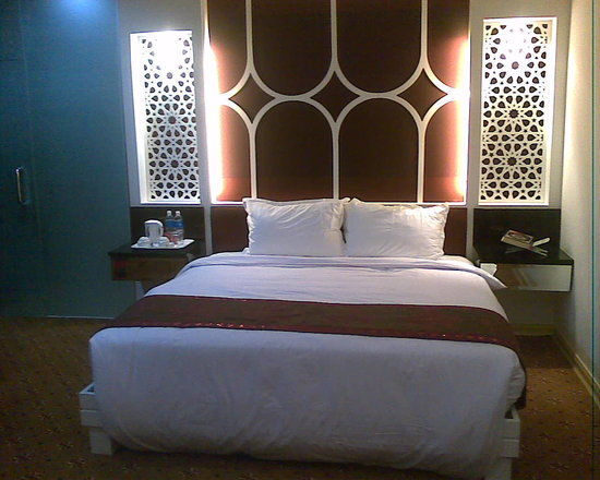 El Zahraa Inn: the bed