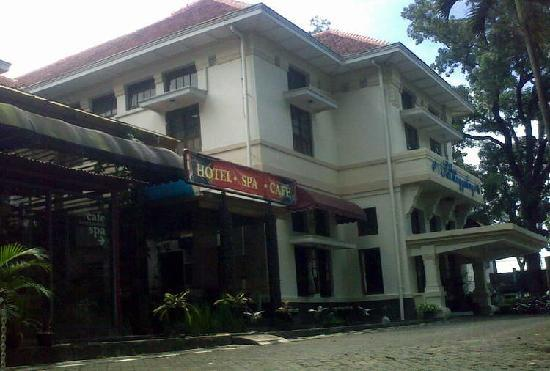 Hotel Bumi Sawunggaling: hotel