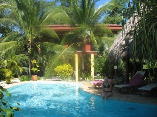 Hotel Cantarana: Zimmer + Pool
