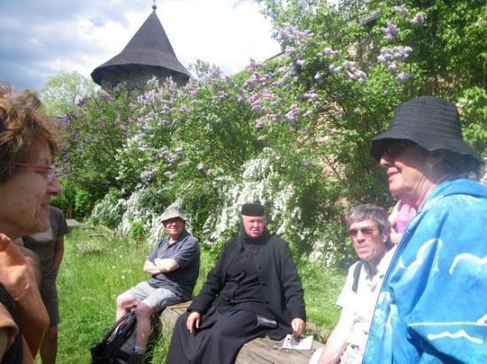 Moldovita Monastery : French speakers among the lilacs