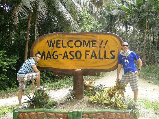 Mag-aso Falls: The way to the cascades