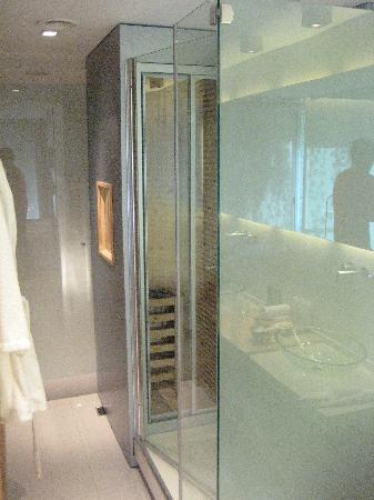 Casa Calma Hotel : The shower and sauna