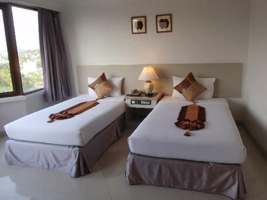 I Pavilion Phuket Hotel: デラックス・ツインのお部屋です。