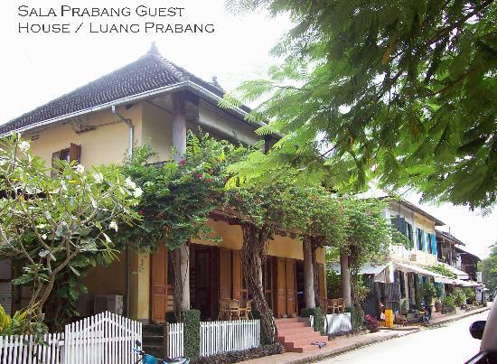 Fausse fenetre photo de sala prabang luang prabang for Hotel col de fenetre