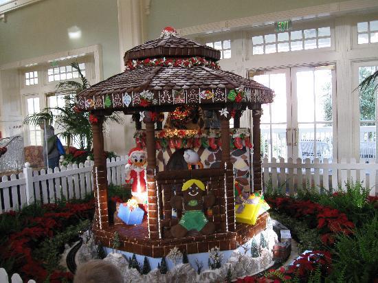 Disney's BoardWalk Inn: Ginger Bread House