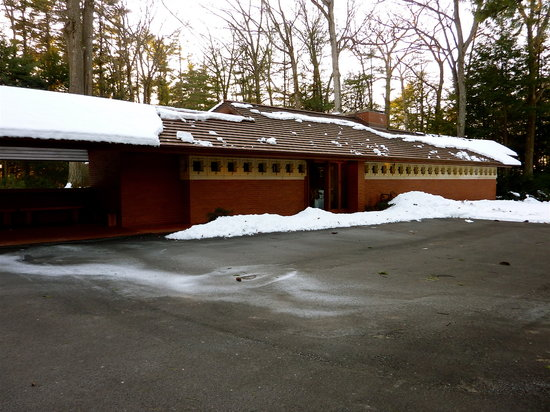 Manchester, NH: Frank Lloyd Wright, Zimmerman House