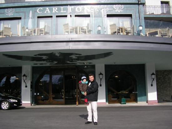 Carlton Hotel St. Moritz : IN FRONT OF ENTRANCE OF CARLTON HOTEL IN ST MORITZ