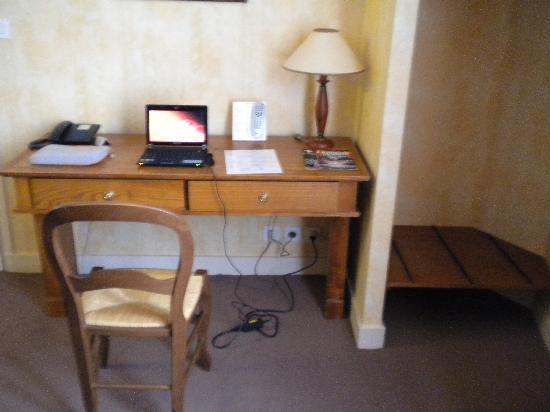 Hotel du Manoir: la stanza