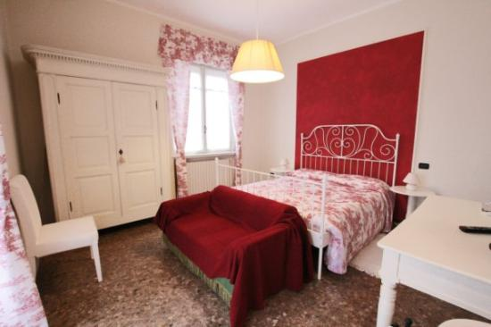 Dolci Bed and Breakfast: Stanza rossa