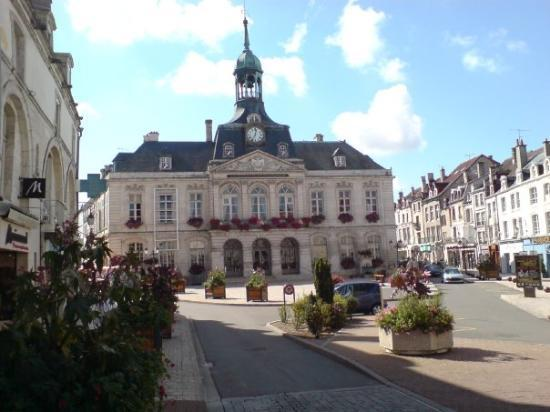 Cheumont france picture of chaumont haute marne for Piscine chaumont 52