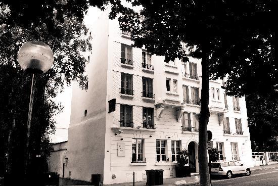 Hotel de la Jatte: front side