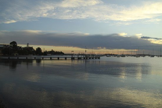 Newcastle, Australië: Evening view from Belmont Wharf.