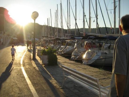 Vis, Kroatia: The Riva.
