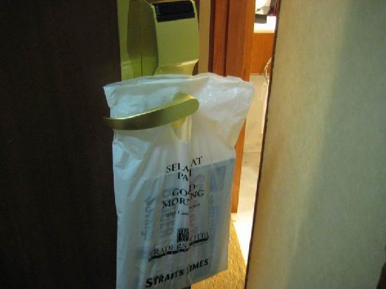 Hotel Jen Penang by Shangri-La: complementary daily newspaper
