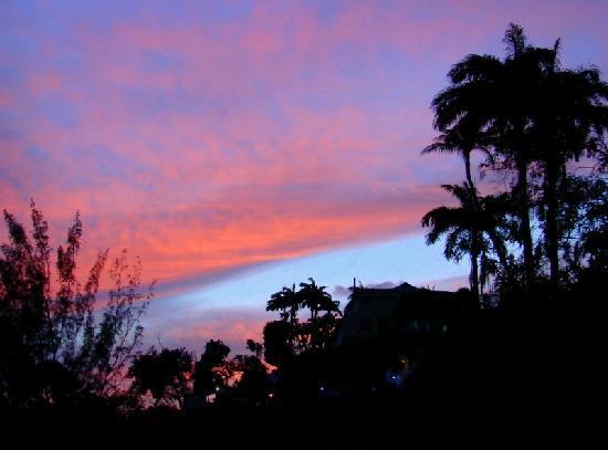 Pax Guest House: Sunset