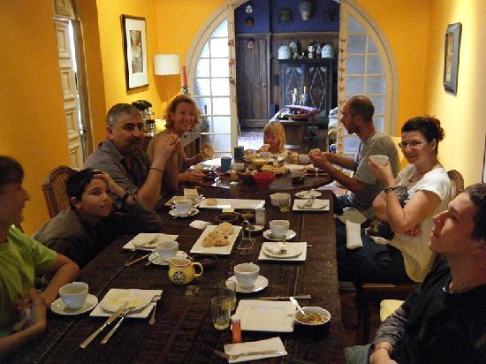 Petit d jeuner entre amis la casa moro photo de casa for Dejeuner entre amis