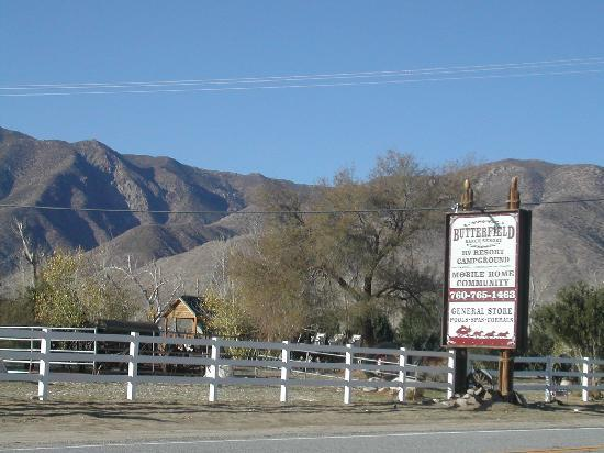 Butterfield Ranch Resort: Entrance to Butterfield Ranch