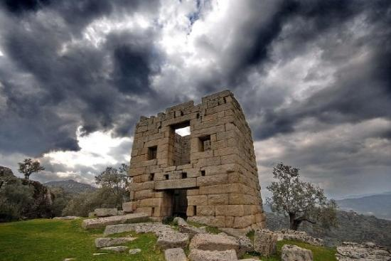 Aydin, Turkey: Bu fotoğraf harika :) this photo is wonderful :)  Alinda, Hellenistik Kule (Hellenistic Tower)