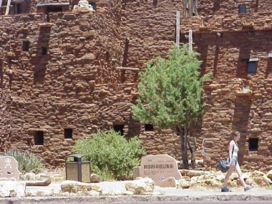 Hopi Point: Hopi House at the Grand Canyon
