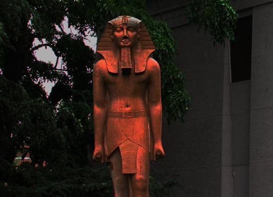 The pic came out SO WELL, I couldn't (re)touch it...Rosicrucian Egyptian Museum-courtyard, San J