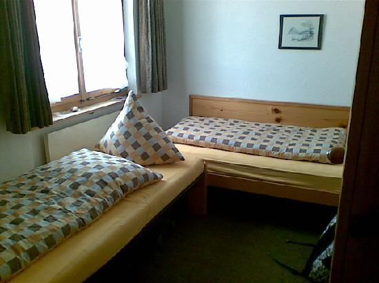 Hotel Gravas: Petite chambre