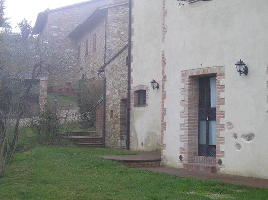 Borgo Montauto: ingresso alla camera