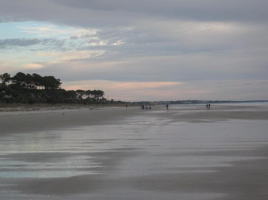The Village at Palmetto Dunes: A beach view at sunrise