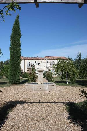 Le Clos du Puy : View on residence from park