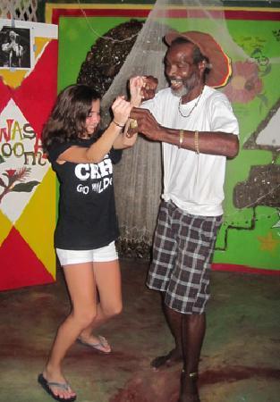 Robert Righteous & De Youths Seafood Restaurant & Bar: cutting up the dance floor