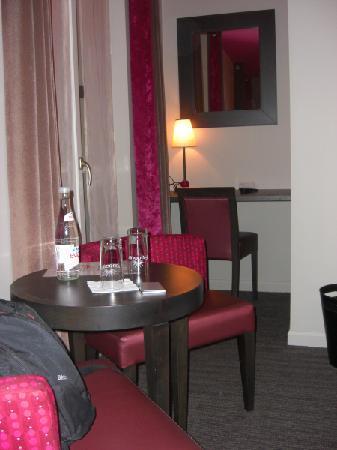 Aero Hotel: Habitación confortable