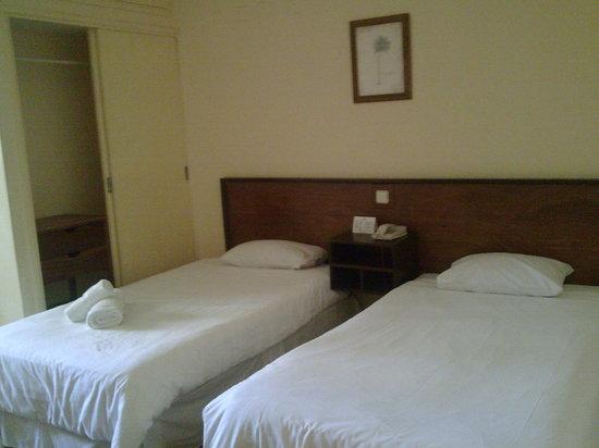 Hotel Mocambicano: Hotel Mozambicano Habitacion acondicionado tv cafe frigobar