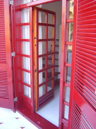 Parque Santiago Villas: patio doors