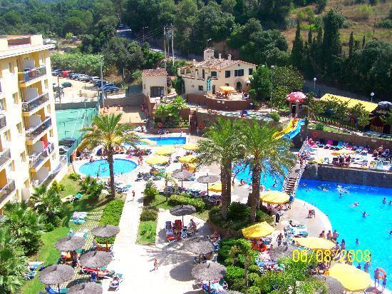 Hotel picture of rosamar garden resort lloret de mar for Aqua piscine otterburn park