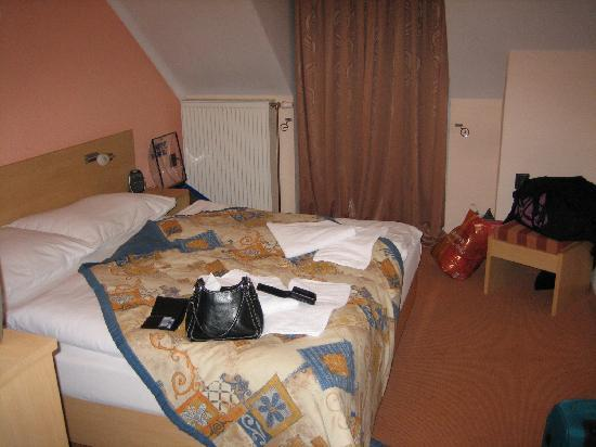 Hotel Steve: Bedroom