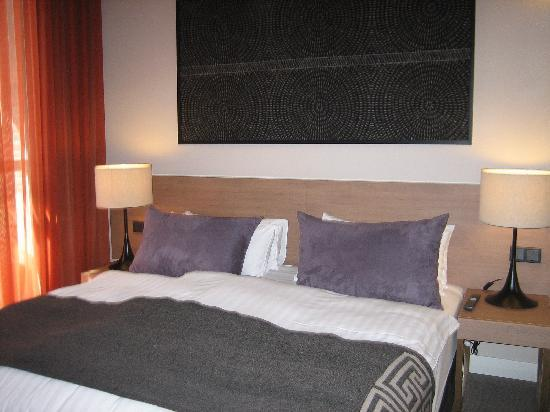 Adina Apartment Hotel Berlin Checkpoint Charlie: habitación