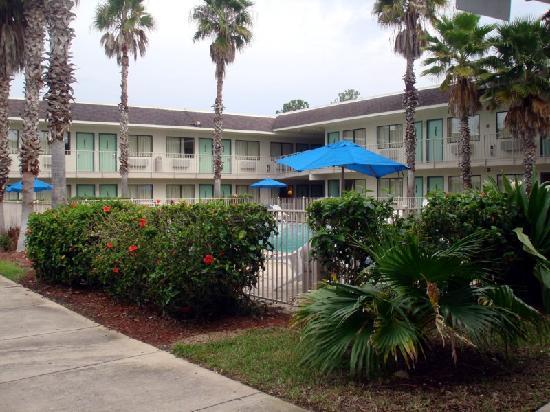 Motel 6 Orlando Kissimmee Main Gate West: Pool